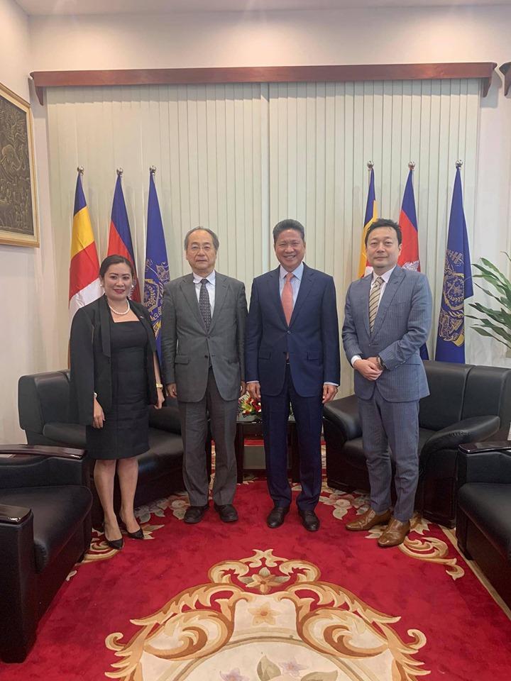 チャン・スントゥール運輸・公共事業大臣と協議